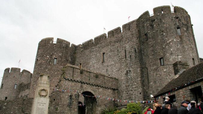 Pembroke-Castle-Wales_Torhaus