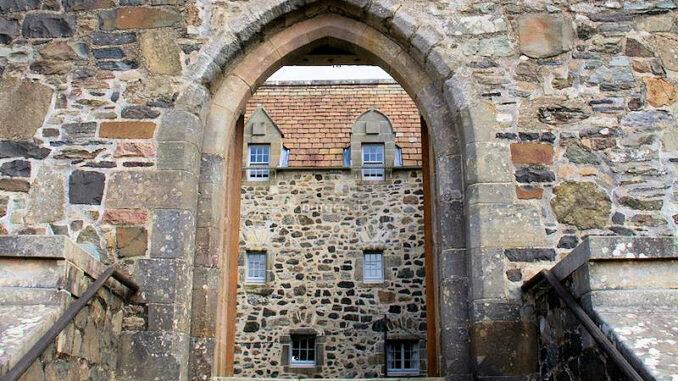 Duart-Castle_Eingang-zum-Castle_c-Duart-Castle_800