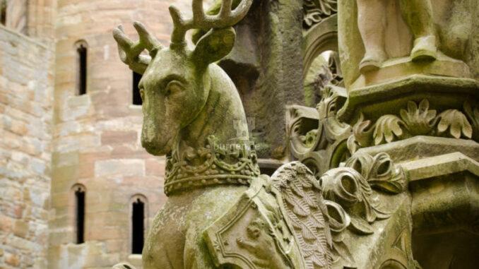 Linlithgow-Palace_Detail-Brunnen_Photo-von-Helen-Martin-auf-Pixabay_800