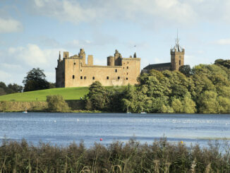 Linlithgow Palace und St. Michaels Church © Historic Crown Copyright HES