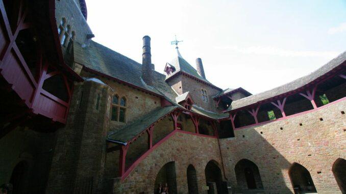 Castle-Coch_Innenhof-002_0617