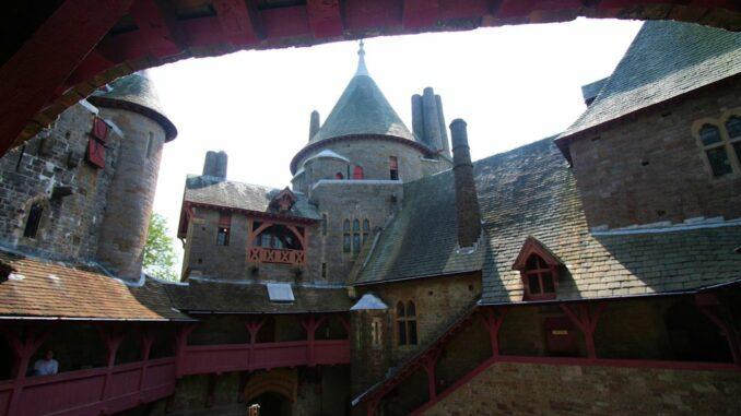 Castle-Coch_Innenhof-003_0620