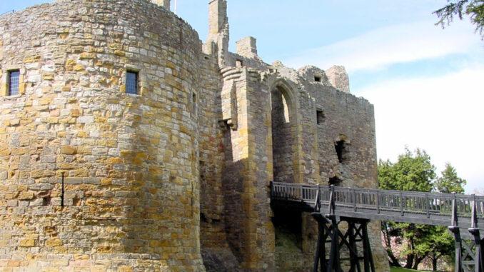 Dirleton-Castle-Schottland_0074_Haupttor