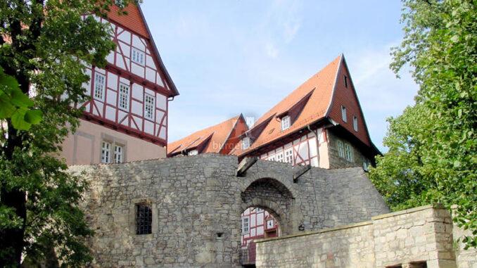 Bodenstein_0002_Tor-und-Bruecke