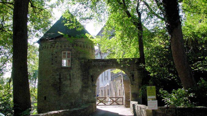Burg-Gleichenstein_0024_Eingangstor