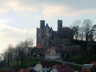 Burg Hanstein, Thüringen - hoch über dem Ort
