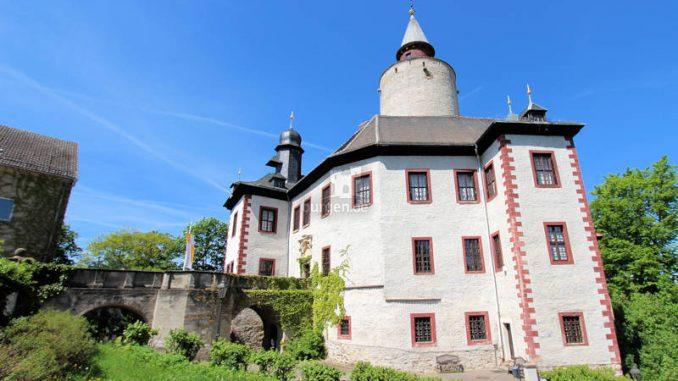 Burg-Posterstein_2131_Seitenansicht