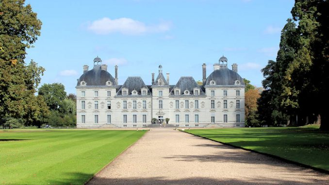 Chateau-de-Cheverny_6797_Haupteingang