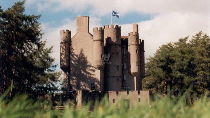 Braemar-Castle_678