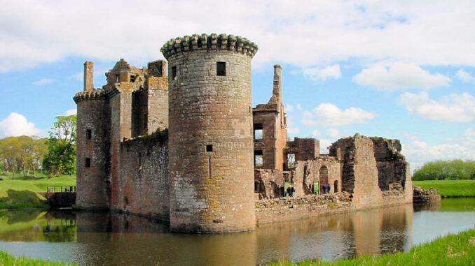 Caerlaverock-Castle_0026_kv