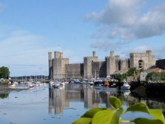 Caernarfon Castle, Wales - Blick über den Fluss