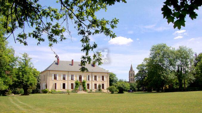 Chateau-Charly_Blick-aus-dem-Park