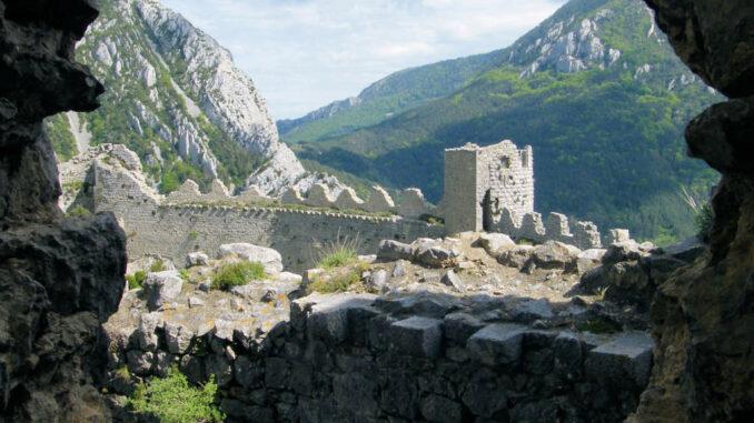 Chateau-Puilaurens_5769_Schildwall-von-innen