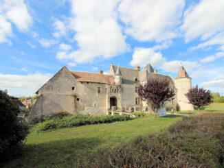 Château Chémery, Blick von der Strasse
