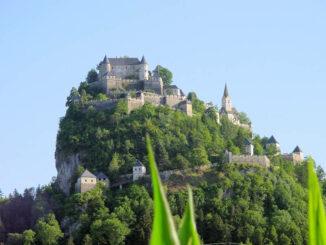 Burg Hochosterwitz in Kärnten, Blick aus dem Tal