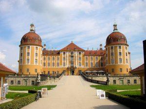 Schloss-Moritzburg_Frontalansichten - Haupteingang