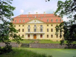 Schloss Wachau (Sachsen) - Front
