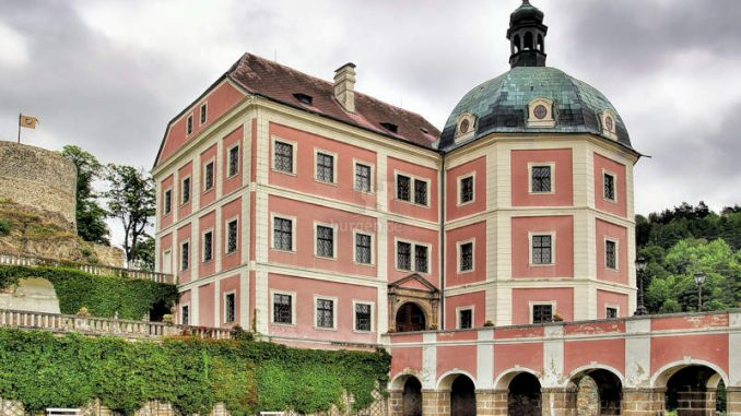 Becov-nad-Teplou_001_Schlossgebaeude-2