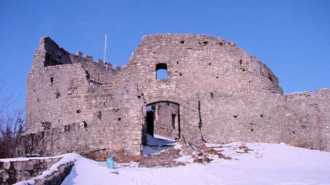 Burg-Eisenberg_0071_Aufgang