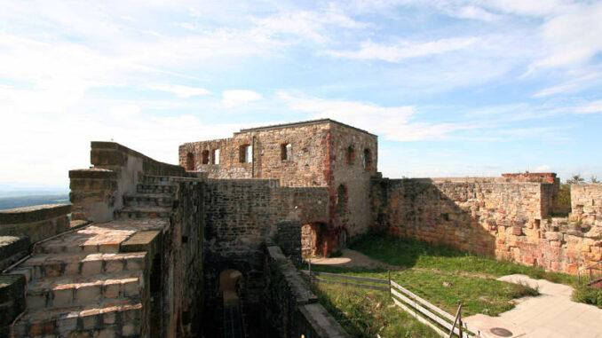 Burg-Hohenrechberg_2104_Palas