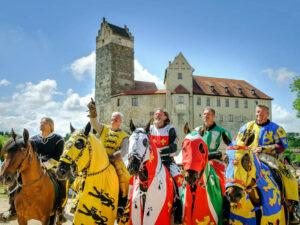 Ritter vor Burg Katzenstein