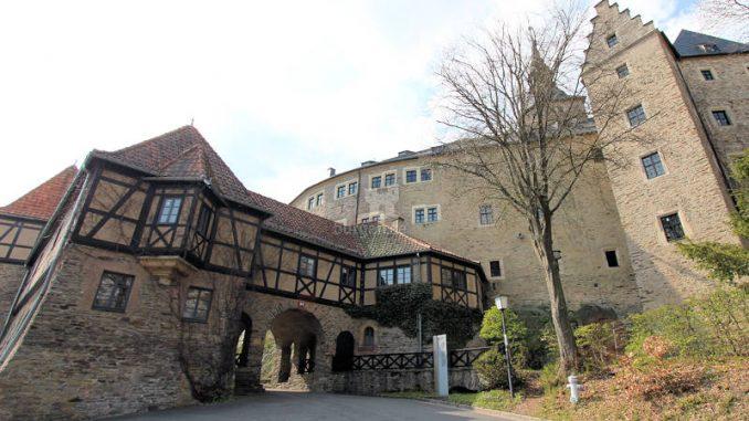 Burg-Lauenstein_2055_Torhaus