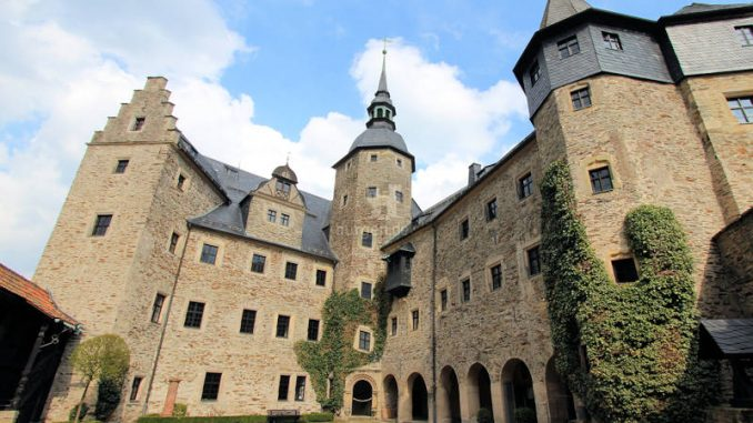 Burg-Lauenstein_2075_Innenhof