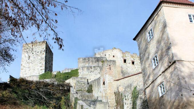 Burg-Pappenheim_7530_Treppenaufgang