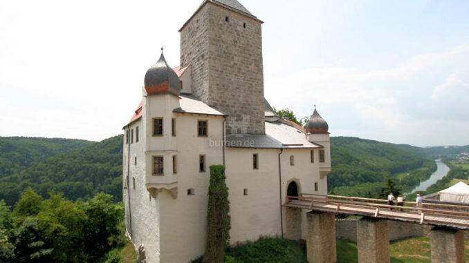 Burg-Prunn_6700_Totale