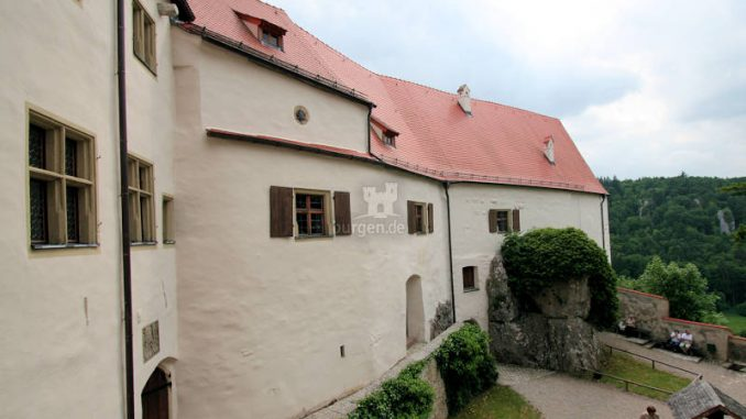 Burg-Prunn_6757_Innenhof