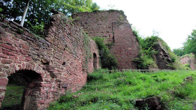 Burg-Wildenstein_4804_Vorburg