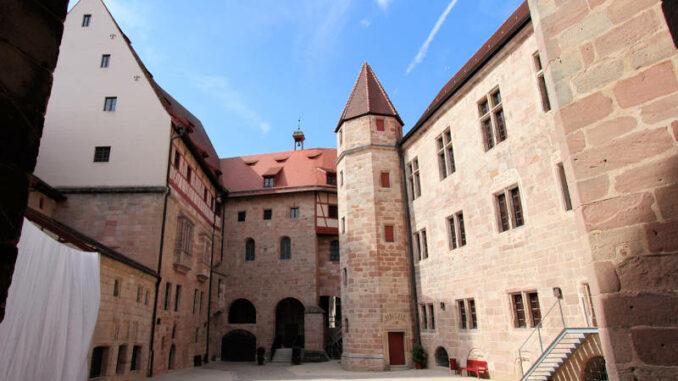 Cadolzburg_210_Innenhof