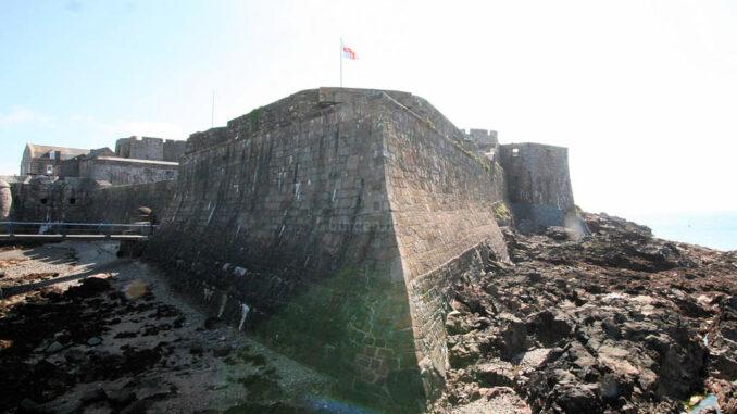 Castle-Cornet_9458_Mauerecke
