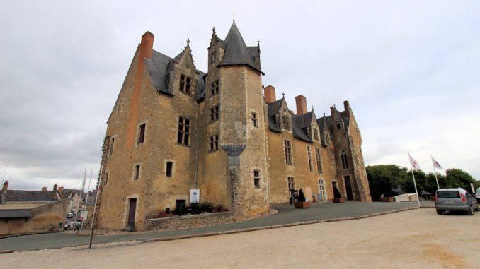 Chateau de-Bauge_4785_Front
