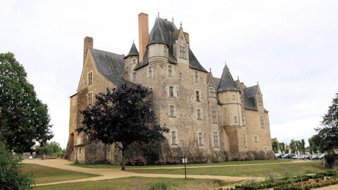 Chateau de-Bauge_4802_Rueckseite-1