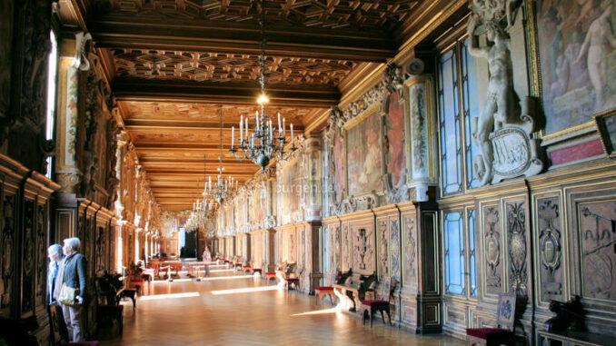 Chateau-de-Fontainebleau_9222_Innenansicht