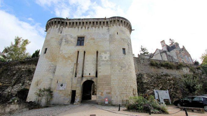 Chateau-de-Loches_5768_Stadtmauer