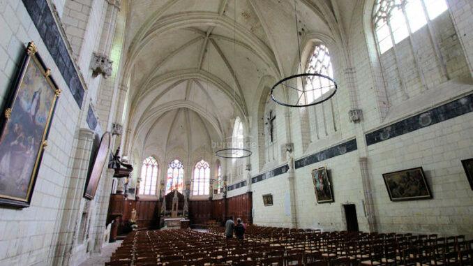 Chateau-de-Montreuil-Bellay_5541_Innenansicht-Kirche
