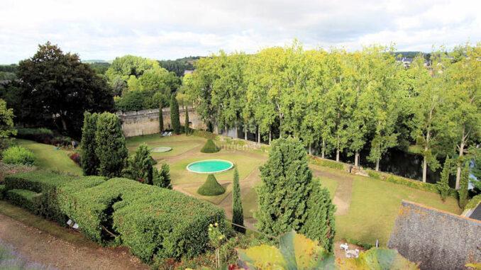 Chateau-de-Montreuil-Bellay_5742_Park-von-oben