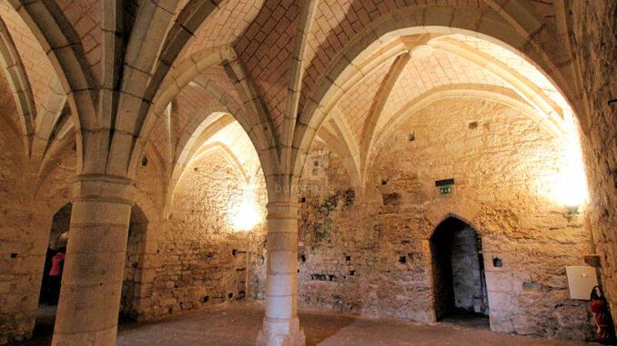 Chateau-de-Montreuil-Bellay_5763_Kellergewoelbe