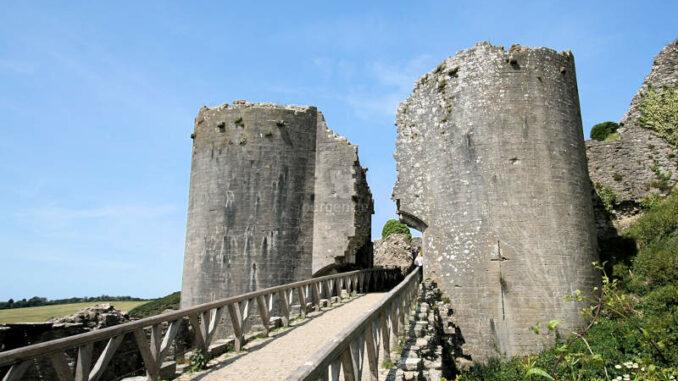 Corfe-Castle_1313_geborstenes-oberes-Torhaus
