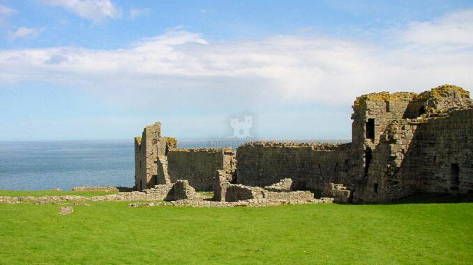 Dunstanburgh_0078_Blick-zum-Meer