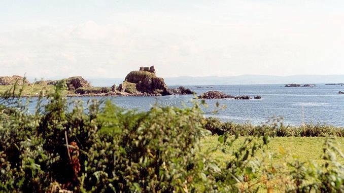 Dunyvaig-Castle_002