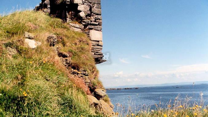 Dunyvaig-Castle_003