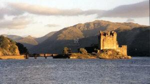 Eilean Donan Castle, Schottland - eine der bekanntesten Burgenanlagen der Welt