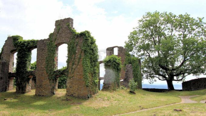 Festung-Hohentwiel_3902_Mauerfragmente-2