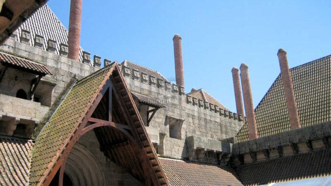 Paco-dos-Duques-de-Braganca-Guimaraes_7791_Dachkonstruktion