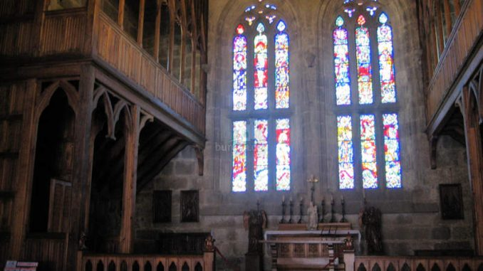 Paco-dos-Duques-de-Braganca-Guimaraes_7797_Kirche