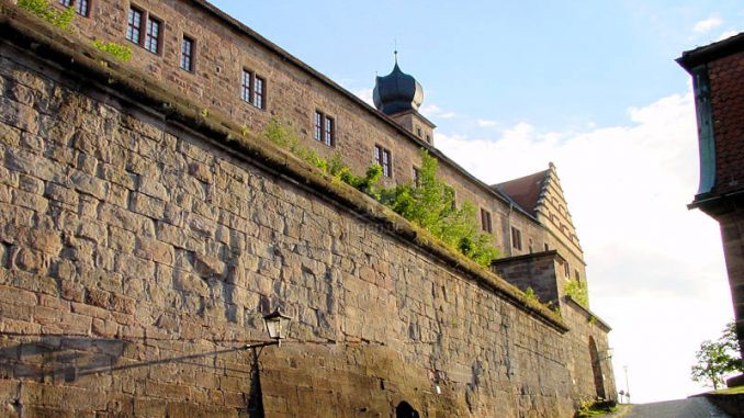 Plassenburg-Kulmbach_0078_Auffahrt