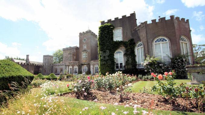 Powderham-Castle_1235_Rueckseite